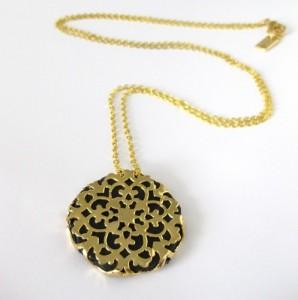 hagar-satat-lace-medallion-leather-necklace-gold-black3