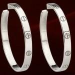 18KT White Gold Love Earrings