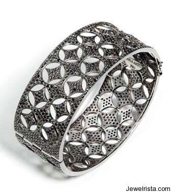 18kt Black Diamond Caviar Ring by Jewelry Designer Carla Amorim