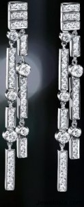 Chanel 1932 Earrings in 18K White Gold and Diamonds