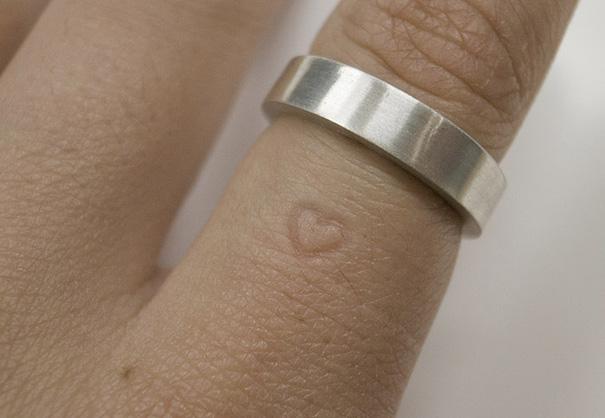 Inner Message Ring 1 Heart on Finger
